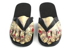 I like these better than the zombie slippers (though they some nice slippas) Zombies, Schuster, Hallowen Costume, Halloween Shoes, Halloween Fashion, Halloween Accessories, Halloween Stuff, Halloween Ideas, Halloween Decorations
