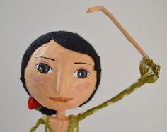 Muñeca Flamenca de Papel Maché  Escultura de por JarilloArtCraft