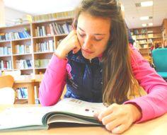 Foto 4: Estudiando.