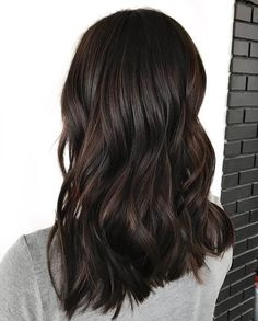 50 Lovely Dark Brown Hair Ideas to Glow darkbrownhair darkbrown darkbrownhairstyle 571605377702036990 Brown Hair Balayage, Brown Ombre Hair, Brown Blonde Hair, Brown Hair Colors, Dark Brunette Hair, Chocolate Brunette Hair, Pelo Chocolate, Balayage Brunette, New Hair