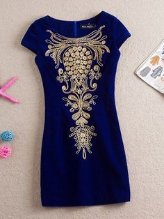 Charm Embroidery Short Sleeve Round Neck Mini Dress