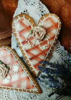 Valentines gingerbread hearts decorated cookies