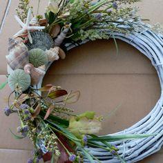Sea wreathes | Beachy Door Wreath with Sea Urchins by BeachyWreaths on Etsy
