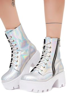 Current Mood Chiller Holographic Platform Boots cuz u give us all the chillz N' thrillz! These sikk af boots have an ultra shiny holographic look, adjustable lace-ups and full-length zipper closures.