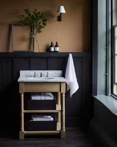 Three moodboards to inspire autumn schemes - PintoPin Dark Blue Bedrooms, Dark Blue Walls, Dark Rooms, Harris Tweed, Interior Blogs, Interior Design, Bathroom Inspiration, Interior Inspiration, Colour Inspiration