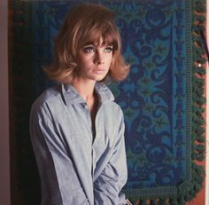 Jean Shrimpton- that hair, the button-down