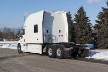 Bolt-Custom-Trucks-150-inch-Platinum-Series-Sleeper-Exterior