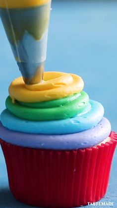 Fun Baking Recipes, Cupcake Recipes, Sweet Recipes, Cupcake Cakes, Dessert Recipes, Cute Desserts, Delicious Desserts, Yummy Food, Cupcake Decorations