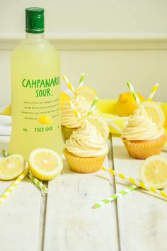 Pisco Sour Cupcakes with Lemon Pisco Frosting – Sincerely Tori Cupcake Ideas, Cupcake Recipes, Cup Cakes, Cupcake Cakes, Pisco Sour, Creative Cakes, Desert Recipes, Yummy Snacks, Cheesecake Recipes