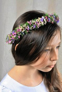 Flower Head Wreath for First Communion Flower Hair Clips, Flowers In Hair, Flower Crown, Floral Crowns, First Communion, Flower Power, Flower Arrangements, Diy And Crafts, Wreaths