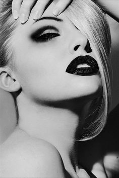 A retro graphic eye look with shadow placed above the lid rather than on it creates depth and makes eyes look huge.
