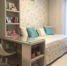 Brilliant small bedroom design storage organization ideas - Decor Home Small Bedroom Designs, Modern Bedroom Design, Contemporary Bedroom, Bedroom Furniture, Bedroom Decor, Bedroom Ideas, Master Bedroom, Bedroom Boys, Bedroom Simple