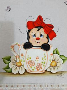 Catarina Y copa. Bella!! Tole Painting, Fabric Painting, Diy And Crafts, Arts And Crafts, Ladybug Art, Country Paintings, Hand Embroidery Designs, Cute Illustration, Cute Art