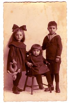 **FREE ViNTaGE DiGiTaL STaMPS**: Free Vintage Printable - Three Children Photo