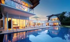 Tropical Design Hideaway   Phuket - Die Villa am Abend