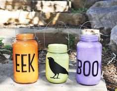 Spooky Jars, great project for kids.  The video tutorial is great.