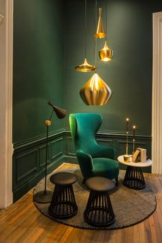 Do you love Tom Dixon Projects? Then, you must go to his incredible store: Tom Dixon Shop at The Dock! See also: Top Interior Designer - Tom Dixon Situated Interior Desing, Home Interior, Interior Inspiration, Interior Architecture, Furniture Inspiration, Design Inspiration, Interior Livingroom, Interior Ideas, Modern Interior