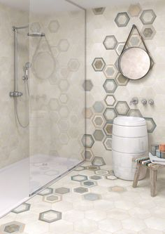 Bathroom tiled with porcelain hexagon tile in concrete style. RIFT: Hexágono Bushmills Multicolor - 23x26'6cm. | Floor Tiles - Porcelain | VIVES Azulejos y Gres S.A. #porcelain #tile #concrete