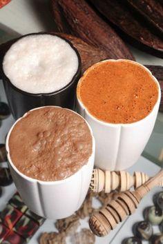 Bebidas tipicas mexicanas a base de cacao:Horchata de cacao(blanca),tascalate(rojiza) y chocolate de metate.