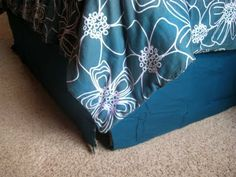 30 Minute Modern Bed Skirt Pattern #noodlehead