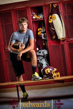 Senior picture – think they'd let us in the locker room?jessicaedward… – My CMS Basketball Senior Pictures, Funny Senior Pictures, Team Pictures, Sports Pictures, Photography Senior Pictures, Senior Photos, Senior Portraits, Graduation Portraits, Male Portraits
