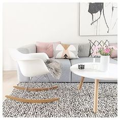 I really love this its so cute, definitely inspiration for my new flat! #Livingroom - #Woonkamer - #Scandinavionhome - www.vanmariel.nl