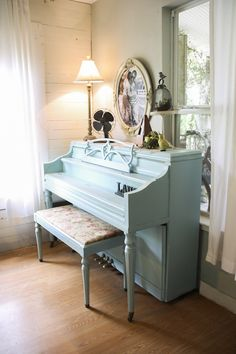 A gorgeous summer home tour! I love this painted piano -- The Pennington Point