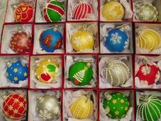 Christmas Ornament Cake Pops | Christmas Ornament Cake Balls. I'm thinking ... | Cake pops and other ...