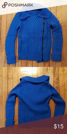 Armani Exchange blue cable knit zip up sweater Like-new Armani Exchange blue cable knit asymmetrical zip-up sweater, size small. Only worn a few times! Can be worn on its own or as a cardigan. It also has pockets! Armani Exchange Sweaters Cardigans
