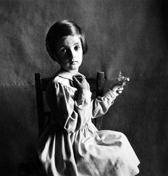 Irving Penn :: Child of Florence, Italy, October 25, 1948 / source: the art institute of Chicago more [+] by this photographer thanks to Exsitoh Relativo for reminding me of this beautiful portrait with his recent post