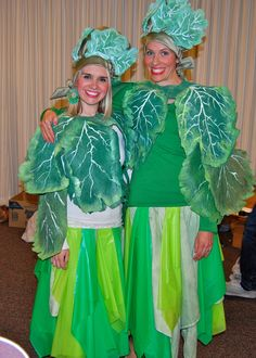 Cool lettuce headpieces Fruit Costumes, Diy Costumes, Vegetable Costumes, Cabbage Vegetable, Fancy Dress, Dress Up, Opening Day, Fruit And Veg, Halloween 2017