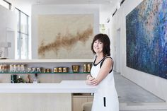Linda Usher, the founder of a company that makes portable cooling products, sold a majority interest in her company and decided to build a second house in Palm Springs.