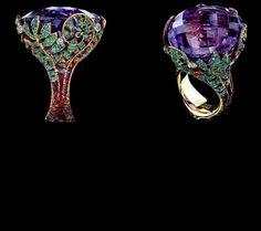 Jewellery Theatre: Fairy Tales Collection Ref: J*1_020 YBF1367 18K Yellow Gold 5 diamonds 0,15-0,17 ct 102 sapphires 0,72-0,74 ct 288 tsavorits 1,85-1,88 ct 1 т amethyst 66,16 ct