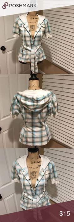 🌼 Self Esteem 🌼Short sleeve plaid hooded jacket 🌼Self Esteem🌼 This Cotton plaid Short sleeve jacket is light, easy and comfortable to wear. Material is 60% cotton & 40% polyester it is preloved in excellent condition...great jacket for the spring!!💐🌸🌺🌼 Self Esteem Tops Sweatshirts & Hoodies