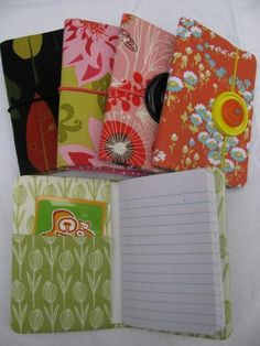 Inspiration :: Mini-Notebook/Gift Card Holder (no pattern but simple to figure out)  #DIY #craft
