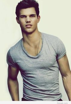 ohhh i remember him in shark boy and lava girl...mmm mm mm