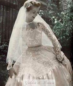 Wedding Dresses Vintage Bridal Ideas For 2019 Bridal Skirts, Bridal Gowns, Wedding Gowns, Wedding Bride, Vintage Bridal, Vintage Weddings, Vintage Glamour, Wedding Dress Trends, Bridal Fashion Week