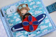 Spinning propeller on the plane. Quiet busy book for a boy. Развивающая книга путешествия для мальчика