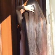 @lillykannikatiara Lilly Air #longhair #hairgoals #longhairgirl #longhairmodel #likespam #brownhair #mysuperlonghair #longhairfeed #hairfeed #hairgoals #hairstyles #haircolor #hairplay #hairfetish #haircut #hairtutorial #hairstylist #hairinspo #hairstyling #longhairgoals #longhairdontcare #longhairstyles
