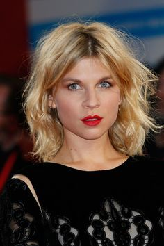 History of French Girl Hair: From Marie Antoinette's Pouf to Bardot's Bedhead A brief history in pictures of the best French girl hair of all time–Clémence Poésy.Bardot Bardot may refer to: Trendy Hairstyles, Bob Hairstyles, Short Haircuts, Wedding Hairstyles, Quinceanera Hairstyles, Hairstyles Pictures, Modern Haircuts, Wedding Updo, Pelo Midi