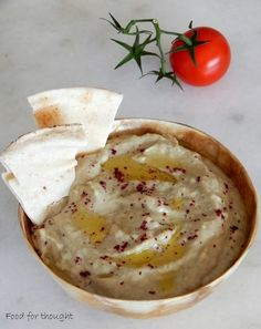 Food for thought: Baba Ganoush/ Λιβανέζικη μελιτζανοσαλάτα Snack Recipes, Healthy Recipes, Snacks, Healthy Meals, Baba Ganoush, Tapenade, Food For Thought, Street Food, Finger Foods