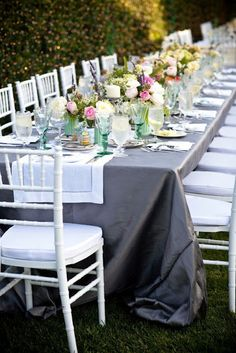 smp: San Diego Wedding with French Charm Shabby Vintage, French Vintage, Beautiful Table Settings, Festa Party, French Wedding, San Diego Wedding, Outdoor Settings, Wedding Reception, Wedding Ideas