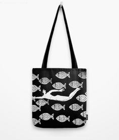 Tati Galiano. Ilustracion. society6. Tote Bag. The joy of the fishes. B&W. #society6 #fishes #bags