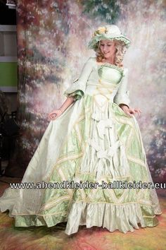 Viktorianisches Abendkleid Ballkleid in Hell Grün