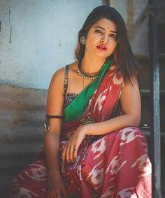 """Saree Women on Instagram: """"Follow more @sareewomen _ @sareewomen _ @sareewomen _ @sareewomen _ _ _ _ _ #sareewomen #saree #sari #backless #blouse#back #photography…"""" Cute Beauty, Beauty Full Girl, Beauty Women, Women's Beauty, Indian Photoshoot, Saree Photoshoot, Saree Models, Saree Look, Most Beautiful Indian Actress"""