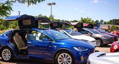 Teslas everywhere #Tesla #roadtrip  Repost from @teslamotors