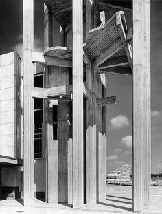 Alvar Aalto, Stephanus Community Centre, church with bell tower, made of nine fair-faced concrete pillars. 1965-69. Wolfsburg. Photography: Heinrich Heidersberger. Alvar Aalto Centre Germany