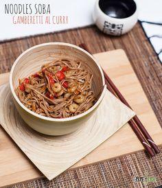 Noodles soba con gamberetti al curry e salsa di ostriche