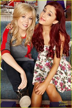 ariana grande jennette mccurdy sam cat pilot pics 15, Ariana Grande and Jennette McCurdy get a little dirt smudged on their faces in this new pic from Sam & Cat.    In the series premiere, total opposites Sam Puckett…
