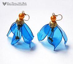 orecchini fatti da butiglie di plastica PET leggeri blu ecologico